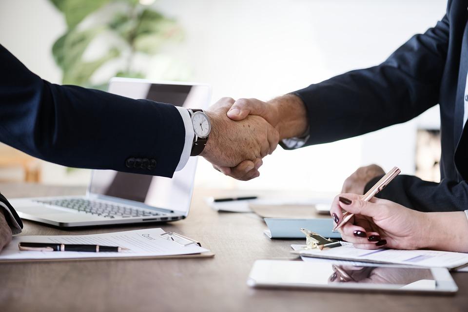 Transmission d'entreprise : accompagner au mieux le repreneur